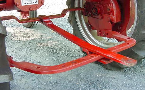 Farmall h swinging drawbar